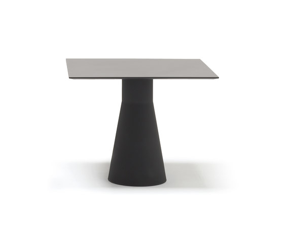 Reverse 50 BM 4521 de Andreu World | Tables de restaurant