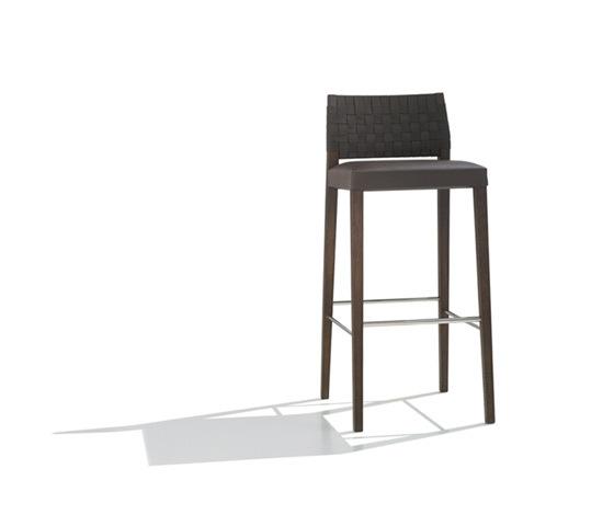 Valeria BQ 7515 by Andreu World | Bar stools