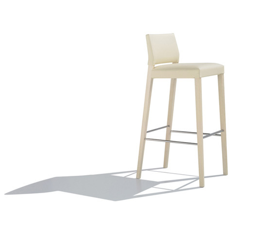 Valeria BQ 7516 by Andreu World | Bar stools