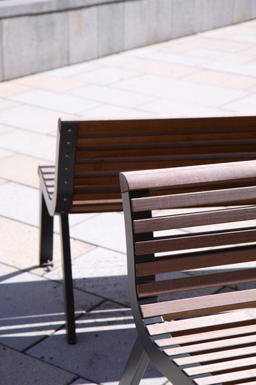 diva | Park bench with backrest by mmcité | Exterior benches