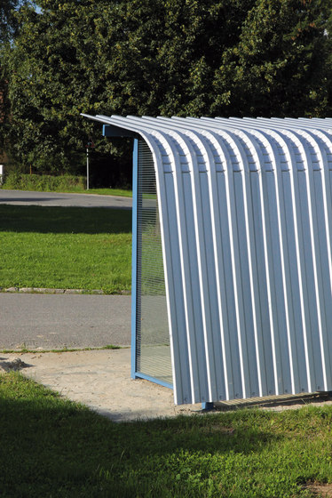 cortext Bus stop shelter by mmcité | Bus stop shelters