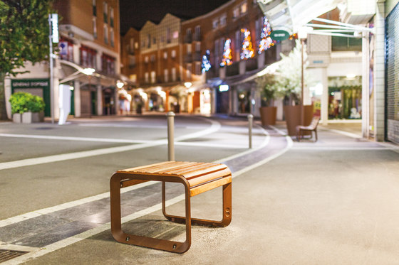 portiqoa | Stool by mmcité | Exterior chairs