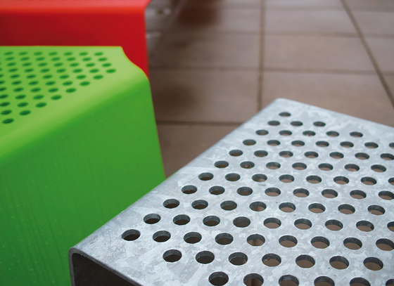 sinus Stool by mmcité | Exterior chairs
