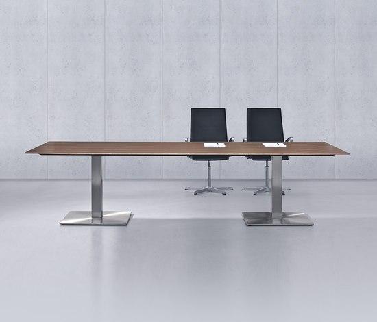 direction-m de planmöbel | Tables collectivités