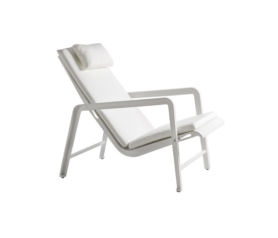 Mirthe Easy chair Cush by Tribù | Garden armchairs