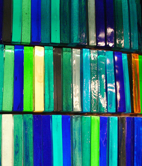 Solid Block | Blue Glass de Conglomerate | Verre décoratif