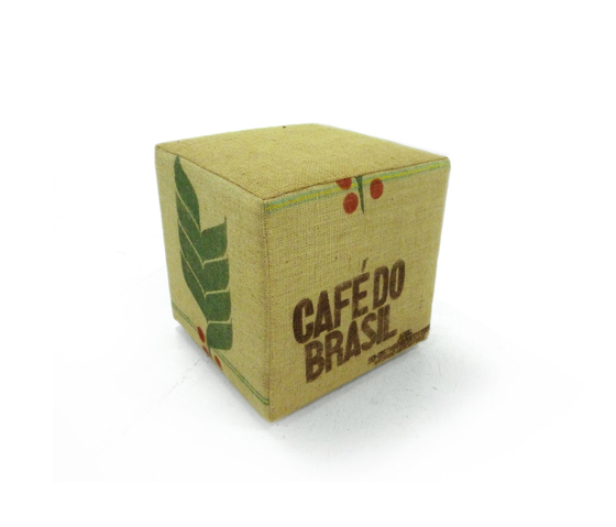 Coffee Cube von Green Furniture Concept | Poufs / Polsterhocker