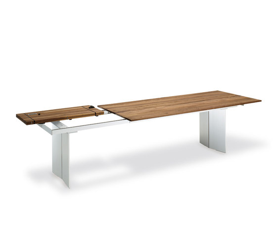 Rolf Benz 8831 by Rolf Benz | Restaurant tables