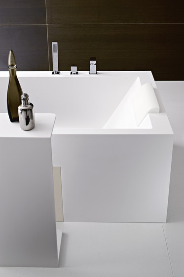 Argo Bathtub by Rexa Design | Bathtubs