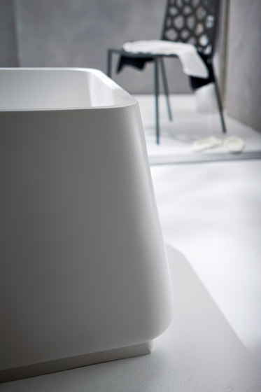 Opus Bathtub by Rexa Design | Free-standing baths