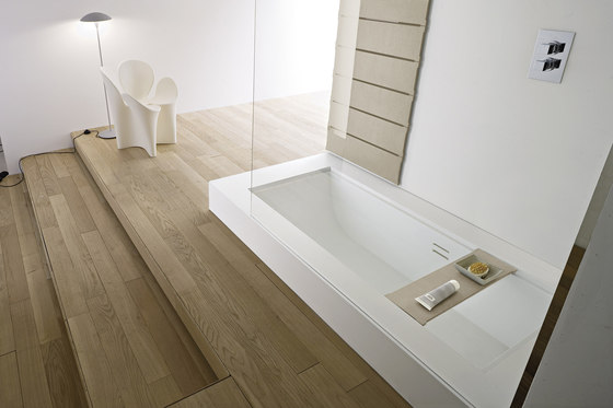 Unico Bathtub by Rexa Design | Built-in bathtubs