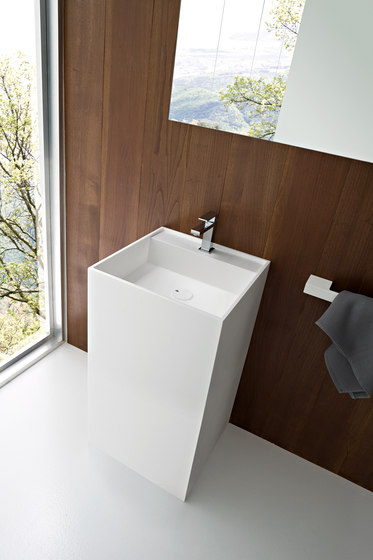 UNICO Standing Washbasin by Rexa Design | Wash basins