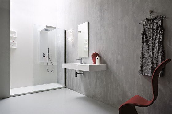 Argo Shower tray and closing by Rexa Design | Shower screens