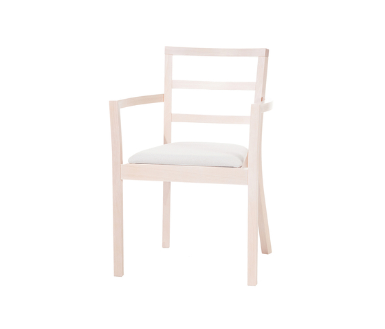 Cortina chair by TON | Restaurant chairs