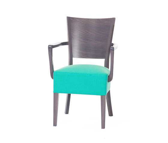 Nona chair by TON | Restaurant chairs