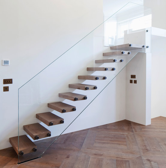 Mistral Seamless Glass by Siller Treppen | Staircase systems
