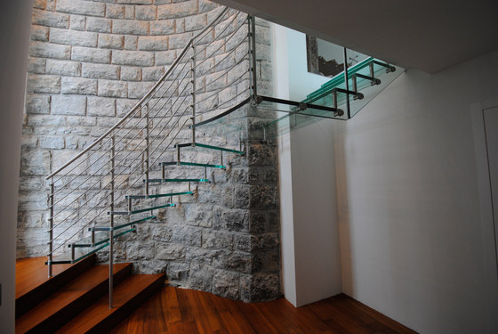 Sevilla Glass Curved by Siller Treppen | Staircase systems