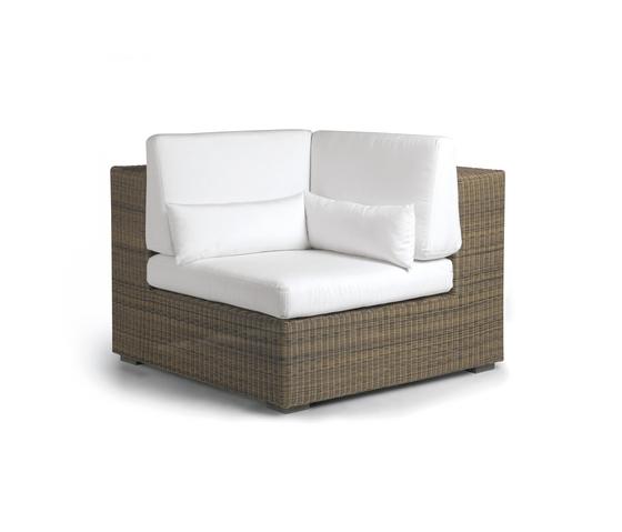 Aspen corner seat by Manutti | Garden armchairs