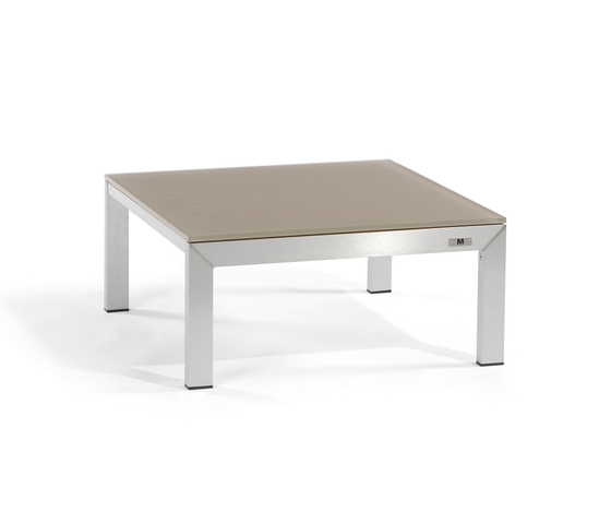 Liner lounge table by Manutti | Coffee tables