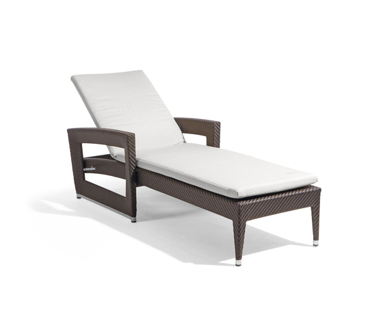 Long Beach open-lounger by Manutti | Sun loungers