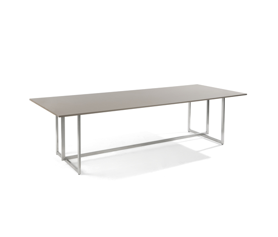 Lucca rectangular dining table by Manutti | Dining tables