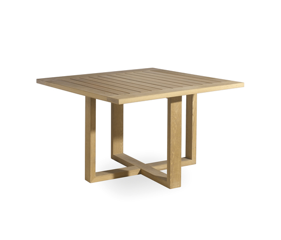 Siena square dining table by Manutti | Dining tables