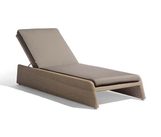 Swing lounger by Manutti | Sun loungers