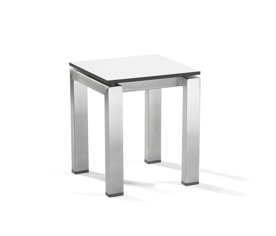 Trento footstool/sidetable by Manutti | Garden stools