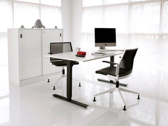 VX7 by Horreds | Individual desks