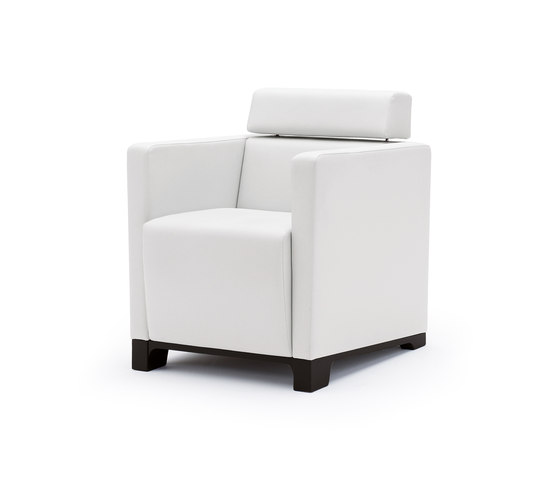 grace Kubus Fauteuil by Wiesner-Hager | Elderly care armchairs