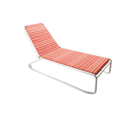 Cantilever | 045 by EMU Group | Sun loungers