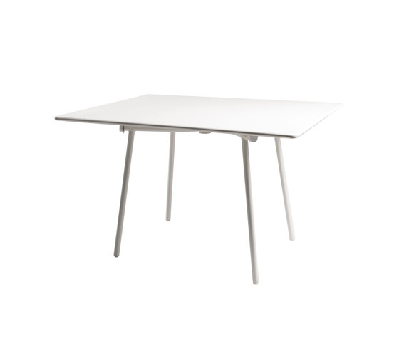 Onda | 182 by EMU Group | Dining tables