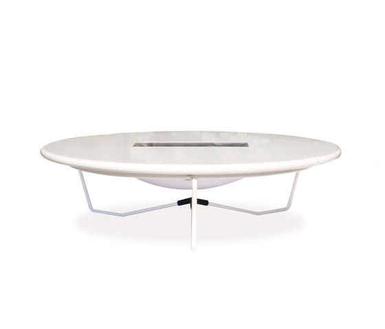 Orbital | 226 by EMU Group | Dining tables