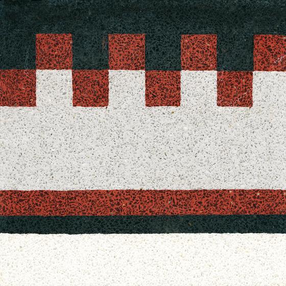 Terrazzo edge tile di VIA | Pavimenti in calcestruzzo/cemento