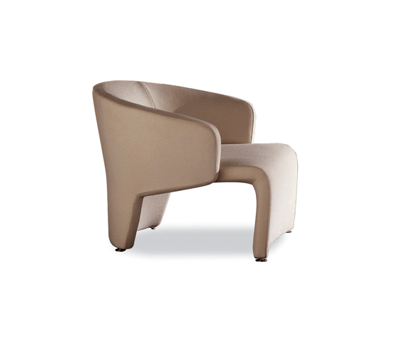 Marc Armchair * by Minotti | Lounge chairs