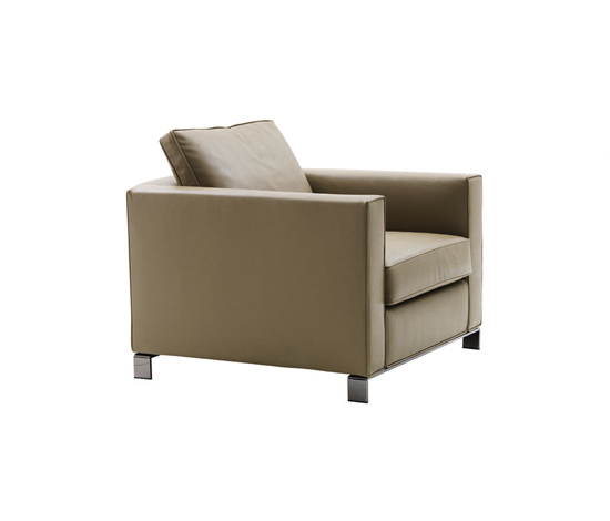 Williams Armchair by Minotti   Lounge chairs