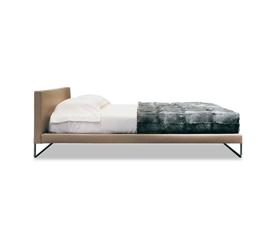 Gorky Bed by Minotti | Double beds