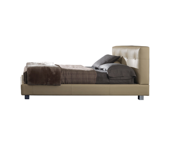 Wearing Bed * by Minotti | Double beds
