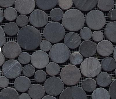 Anticato Round Stone Negro di Porcelanosa | Mosaici