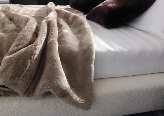Shearling Bedwear de Minotti | Mantas