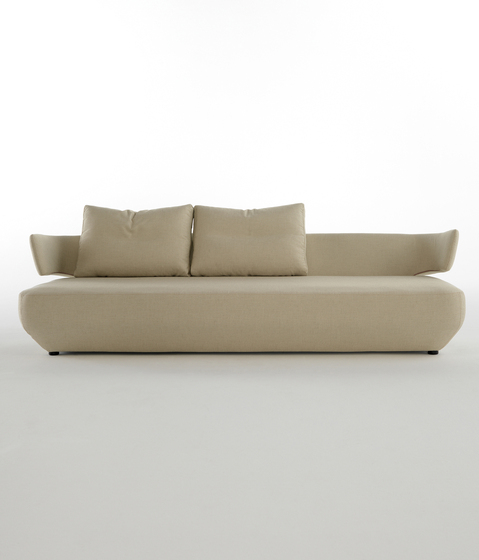 Levitt Sofa by viccarbe | Lounge sofas