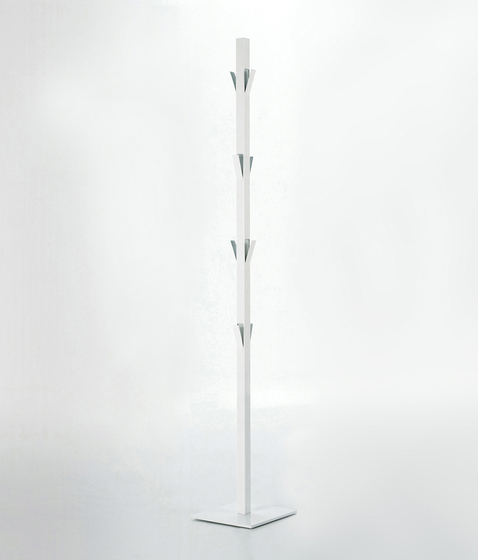 Window Clothes stand by viccarbe | Freestanding wardrobes