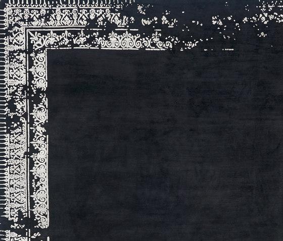 Erased Classic | Ferrara Border Special von Jan Kath | Formatteppiche