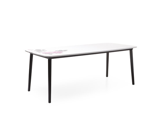 5 o'clock Table by moooi | Dining tables