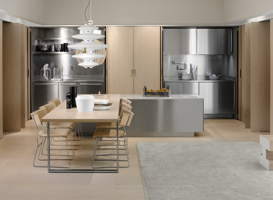 Spatia ambiente 2 by Arclinea   Dining tables