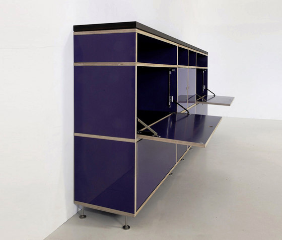 Tius 01 varnish/flaps by Plan W | Office shelving systems
