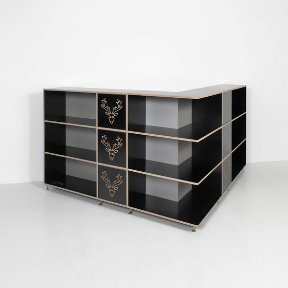 Tius 03 corner nero ornament de Plan W | Étagères
