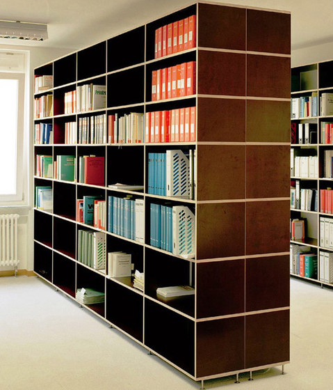 Tius 06 oscura library by Plan W | Library shelving systems
