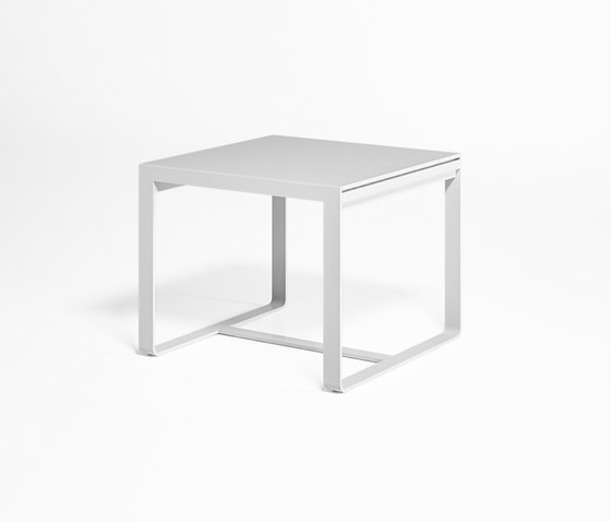 Flat High Table by GANDIABLASCO | Dining tables