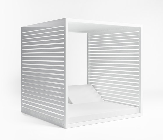Daybed Reclining Fixed Slat by GANDIABLASCO | Gazebos